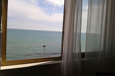 bilocale vista mare - Marinella - House
