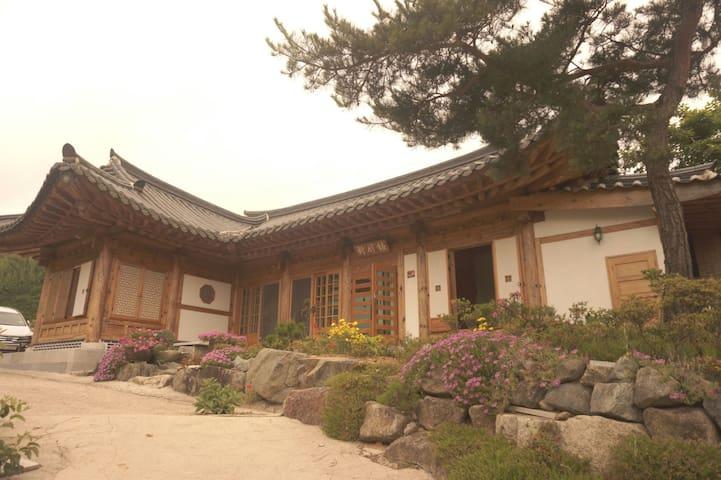 매죽헌 한옥 민박 (동백방) - Woldeung-myeon, Suncheon - 一軒家