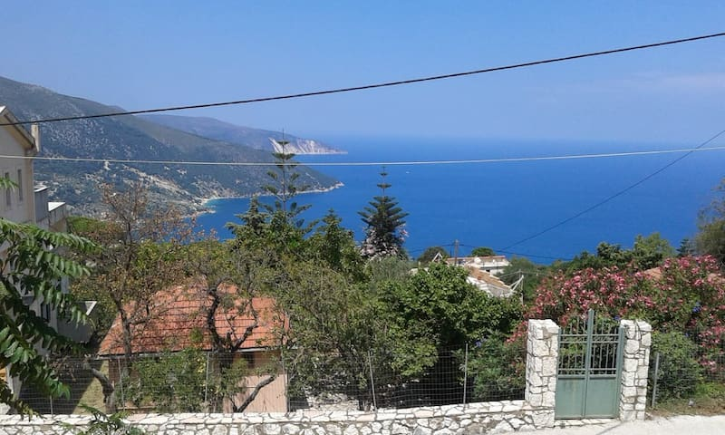 HOUSE AT AGONAS-KEFALONIA
