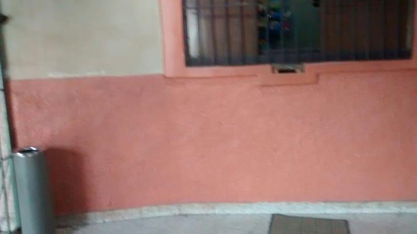 Aluga se quarto em Santo André - Santo André - Bed & Breakfast