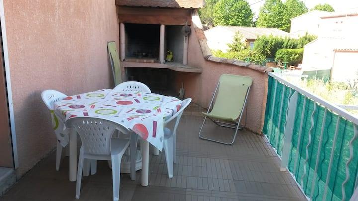 Maison de village avec Terrasse.