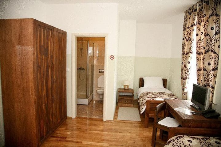 Rooms in center of Ogulin - Ogulin - Bed & Breakfast