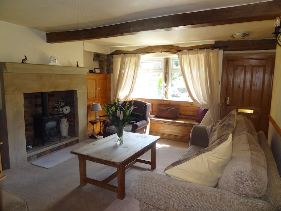 Beautifully cosy cottage lounge