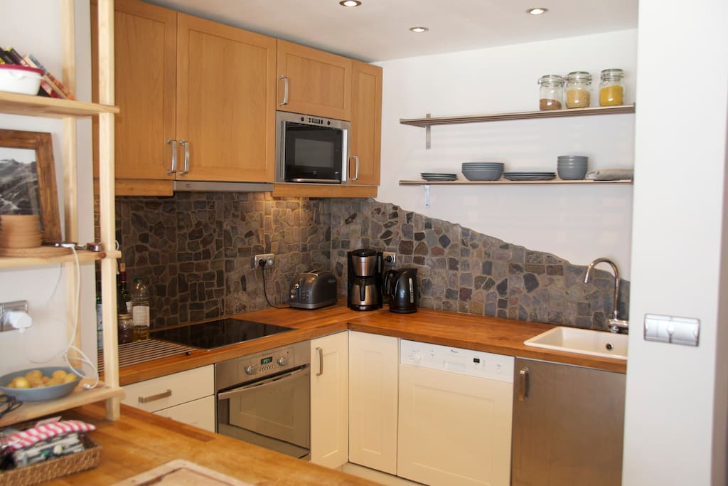 Kitchen, included dishwasher, double fridge freezer, oven & microwave, coffeemaker, toaster & kettle
