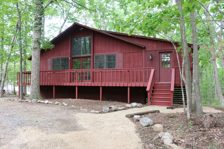 Spacious cabin w/ easy access to resort activities