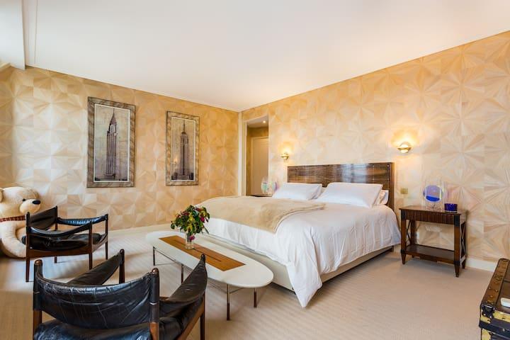 Five Stars Luxury Suite 2 av des Champs Elysées.