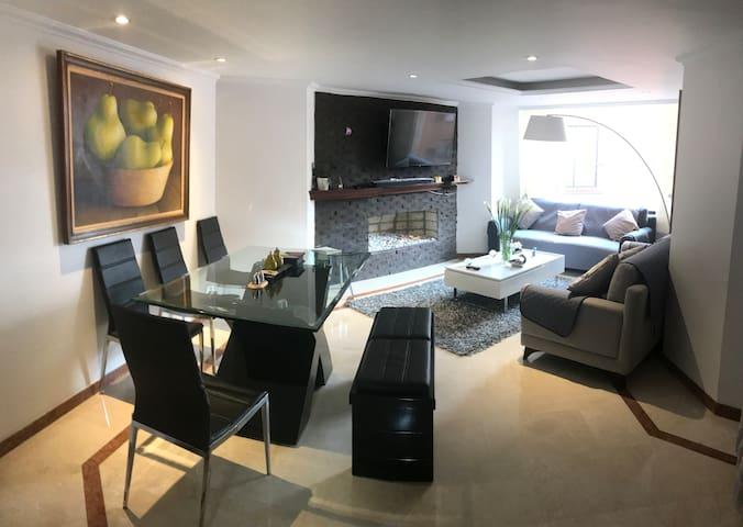 Comfy and Big Room- Habitacion Privada con baño.