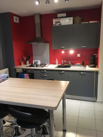 Appartement proche Bourg - Buellas - Apartmen