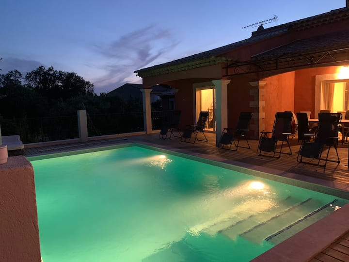 Magnifique villa+piscine à débordement