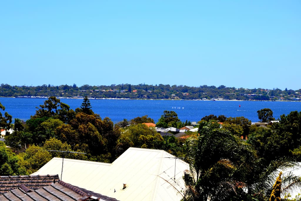 Panoramic views of the Swan River