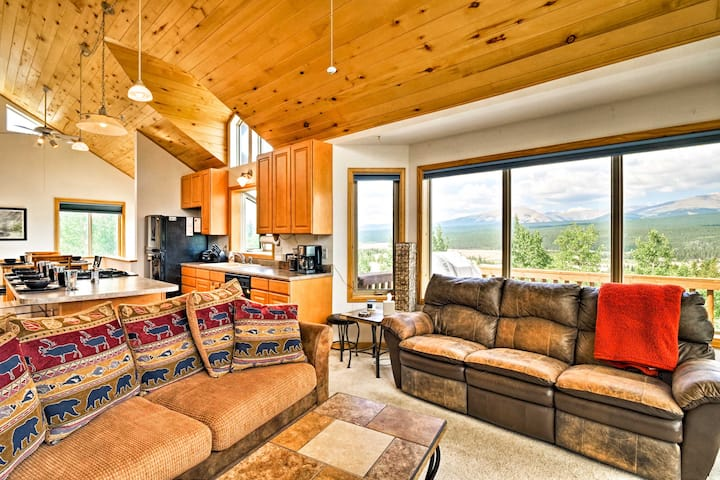 Cozy Fairplay Cabin w/ Unobstructed Mtn Views!