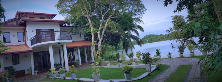 @MyH LAKE Front Pvt Villa, 24 Hr Cook, Near City