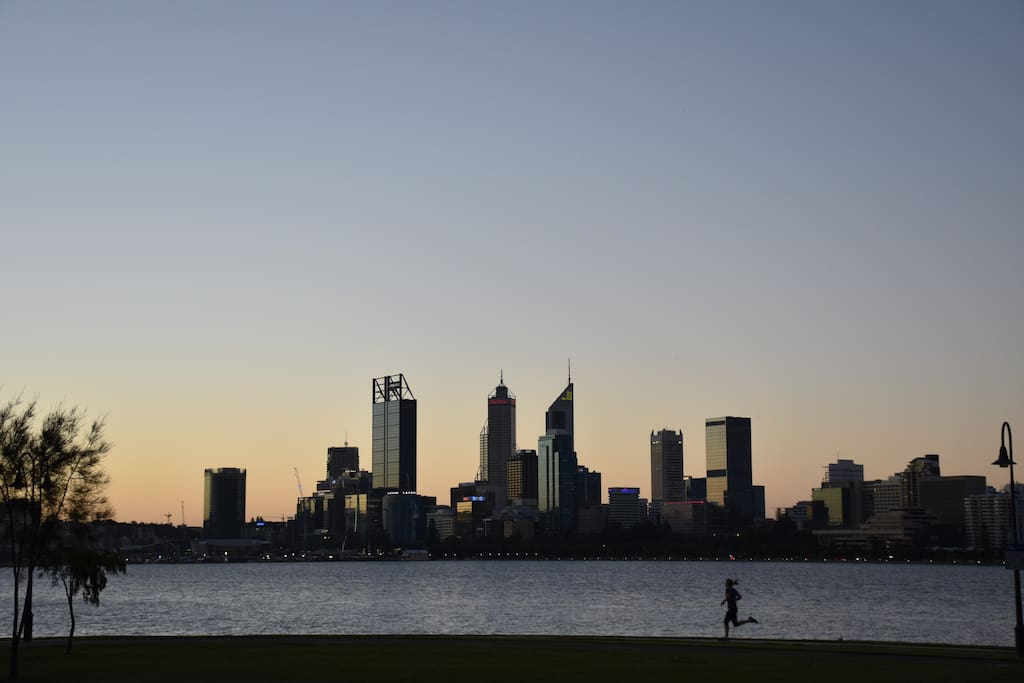 2 minute walk to South Perth Foreshore
