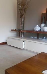Casa com suites ao lado doautódromo de Interlagos