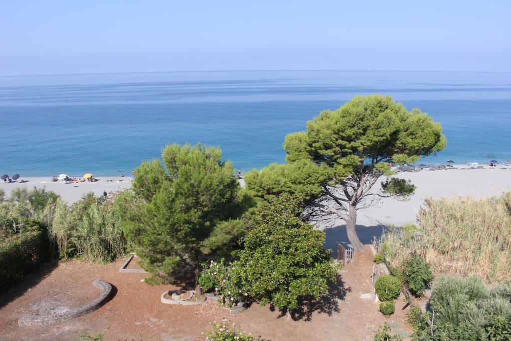 Garden and private sea access