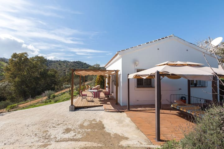 Lovely Holiday Home in Coin with Private Swimming Pool