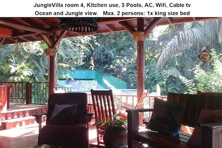 JungleVilla, Rm4, Max. 2p, 3 Pools, Kitchen use - Quepos