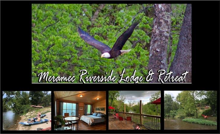 Mark Twain Suite at the Meramec Riverside Lodge