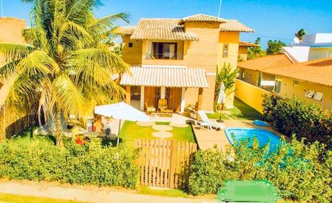 Linda casa c/piscina perto da praia e do Hibiscus