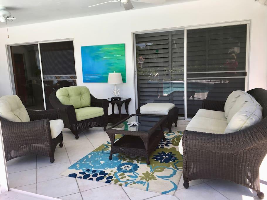 Lanai Sitting Area