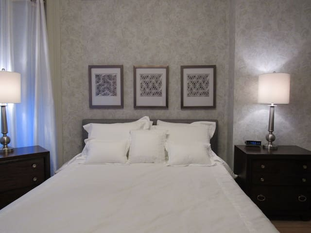 Family Suite at Washington Park Inn w/ PARKING - Albany