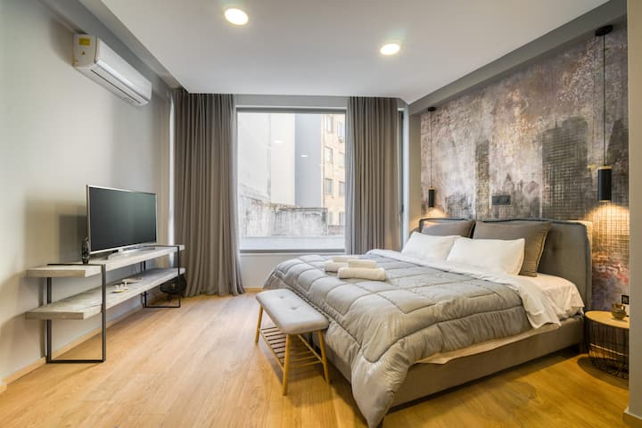 Sunny cozy apt, spectacular Acropolis roof view