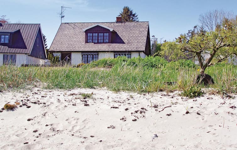 Holiday cottage with 3 bedrooms on 101m² in Abbekås