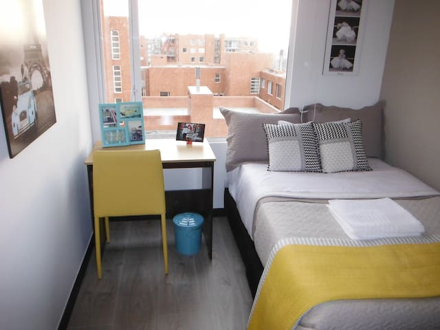 Great Room Just 15-20 min from AirPort - Bogotá - Wohnung