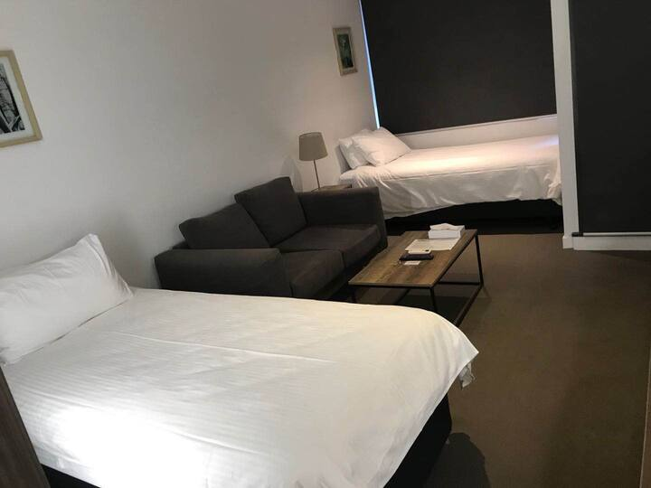 Twin Studio Apartment near southern cross station