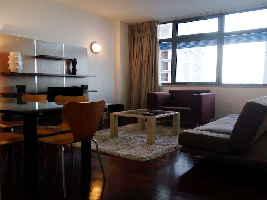 Living and dining room / Sala de estar e jantar