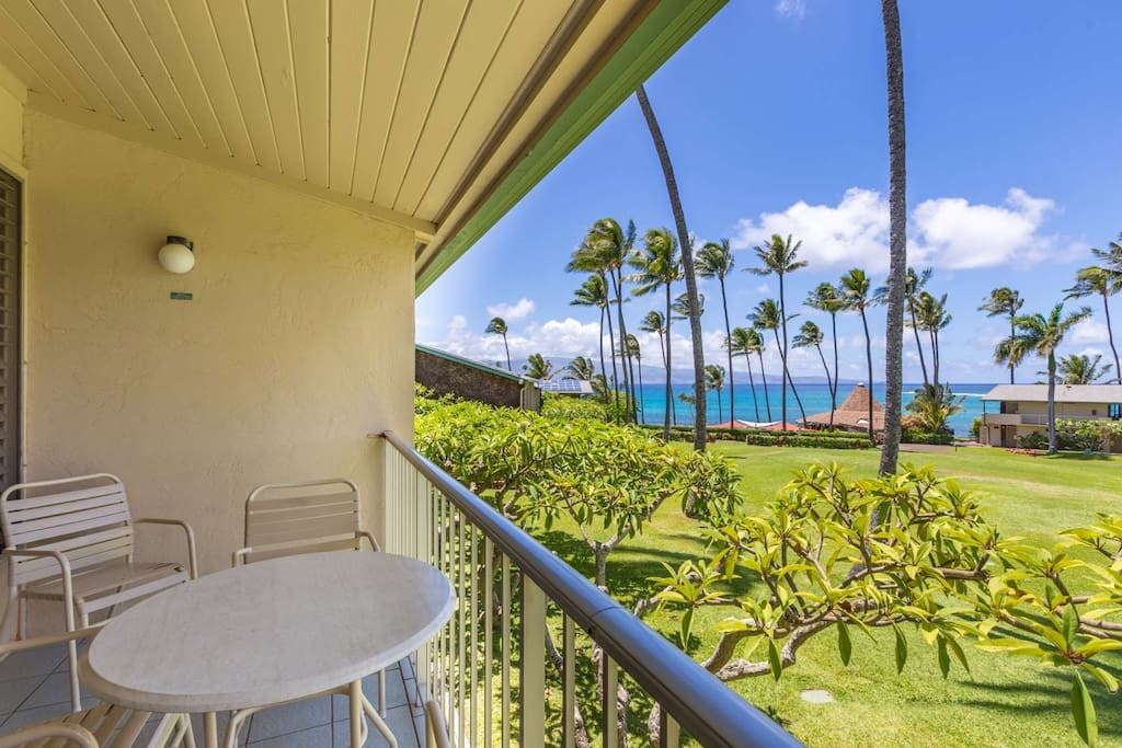 Napili Shores G-256 --- In addition to the wonderful views of the Pacific, amenities include two pools, shuffle board, and two restaurants at the reso