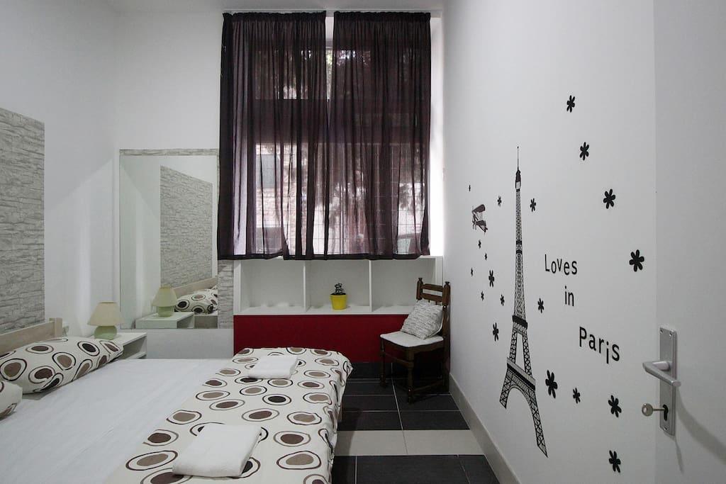 Room is called Paris