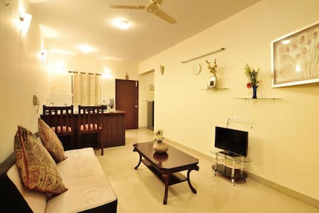 1BR LUXURY APARTMENT w POOL & GYM nr Baga Beach