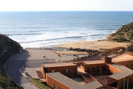 Ericeira where the ocean is bluer- Guest House - Santo Isidoro - 独立屋