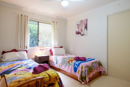 Lovely twin air conditioned room by the Bay - Redland Bay