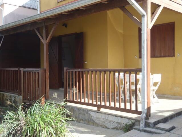 Bas de villa - Sainte-Rose - Apartamento