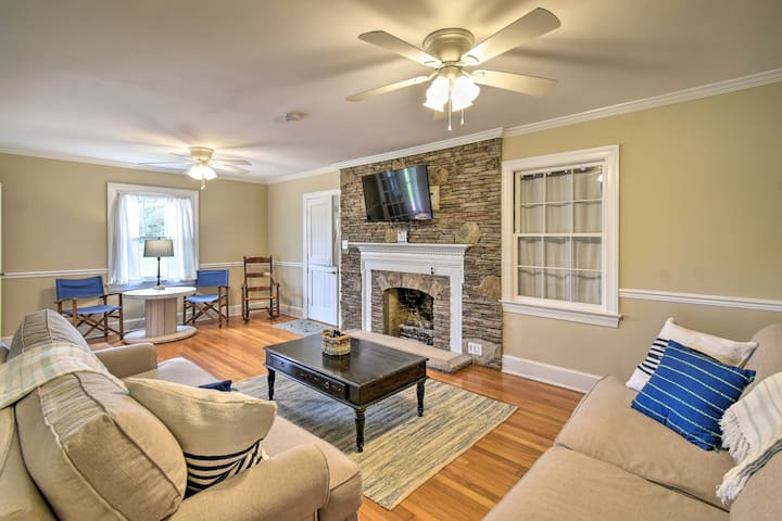 Updated Cape Charles Home - 2.5 Miles From Beach!