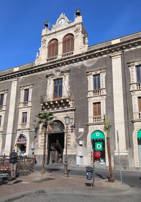 Piazza Stesicoro historical palace