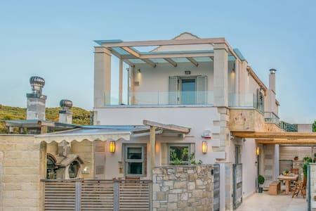 ONTAS VILLA small luxury cottage - Λουτράκι - 別荘