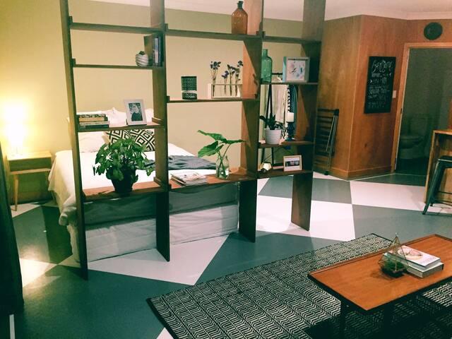 Spacious & Private Studio Apartment