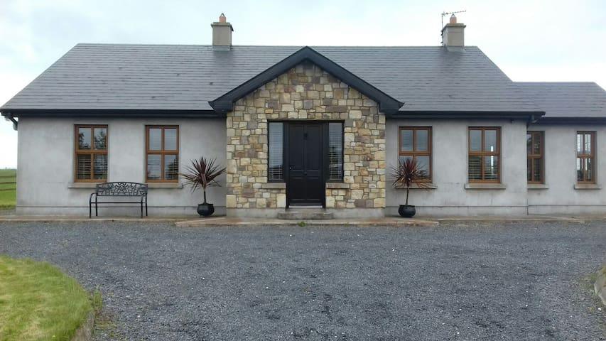 Coolnamona,Doon Co Limerick V94VN2D