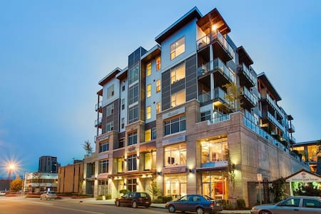 Really Neat Studio Downtown - Kelowna - Apartemen