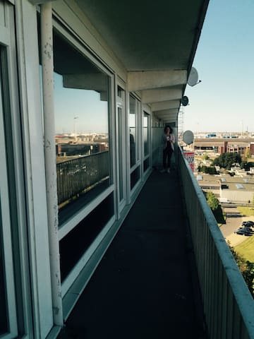 Room on 12th floor near station & center of Ghent - Gent - Apartment