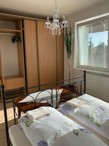 2-beds room