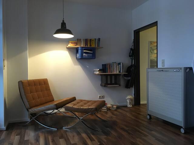 Einfaches Apartment mit Seeblick