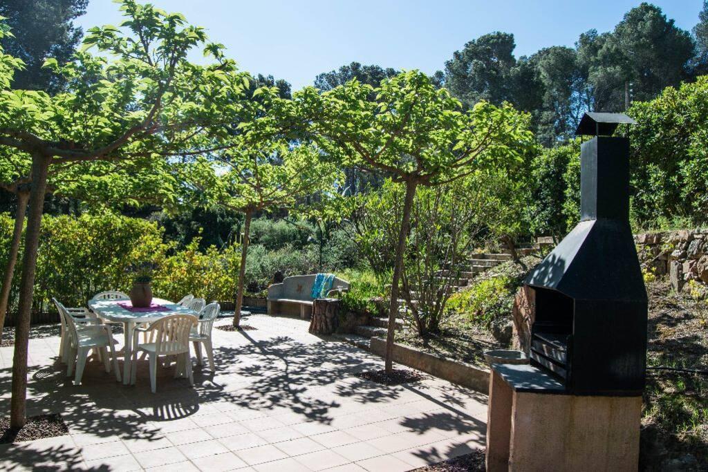 casa con jardin y zona de barbacoa y -SA PUNTA COSTA BRAVA