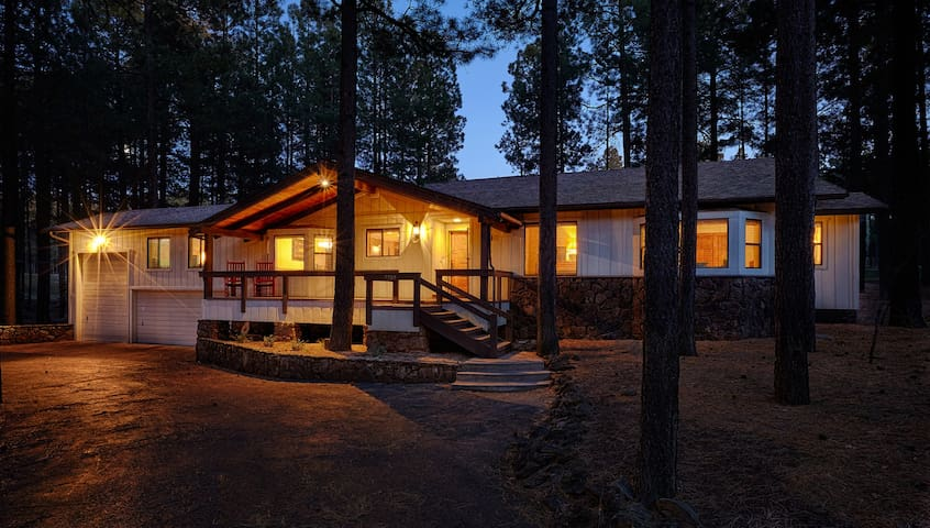 Bear Lodge - Pinetop - Hus