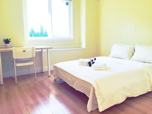 Spacious Room 101