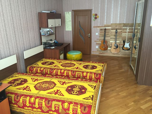 QUIET and BRIGHT Private Room 2+ - Baku - Appartement