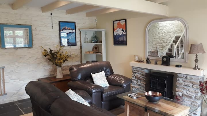 2 Bedroom Cottage Close to Perranporth Beach